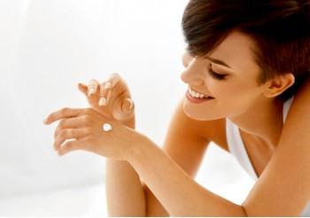 La beauty routine per l'idratazione viso e corpo