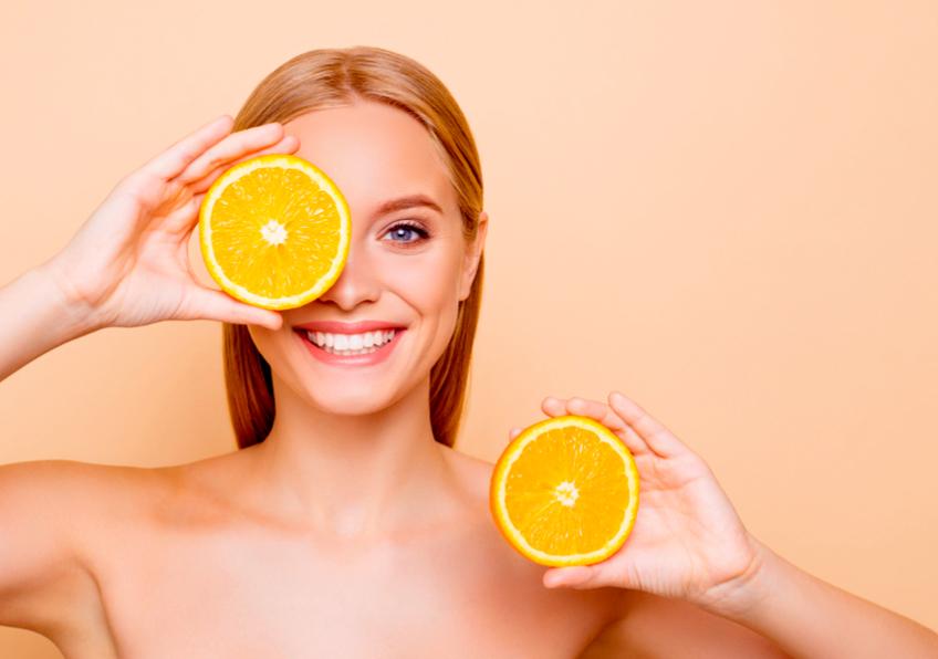 Vitamina C: i suoi effetti sulla pelle del viso e sull'organismo